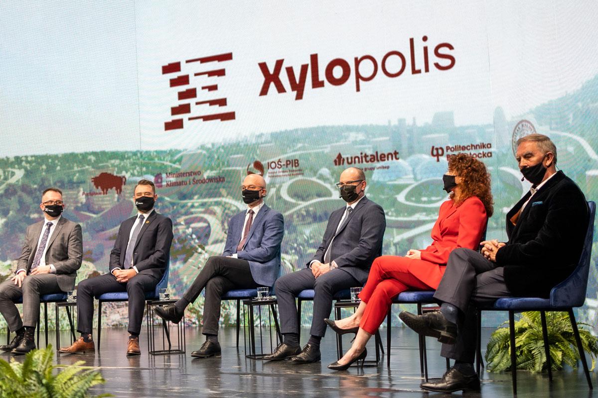Fotorelacja z konferencji dotyczącej wystawy Xylopolis – prezentacji Województwa Podlaskiego na EXPO 2020 w Dubaju; fot. Paweł Jankowski (6)