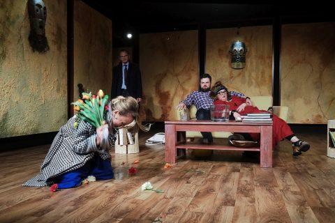 Teatr Dramatyczny - Bóg mordu, fot. Jerzy Doroszkiewicz