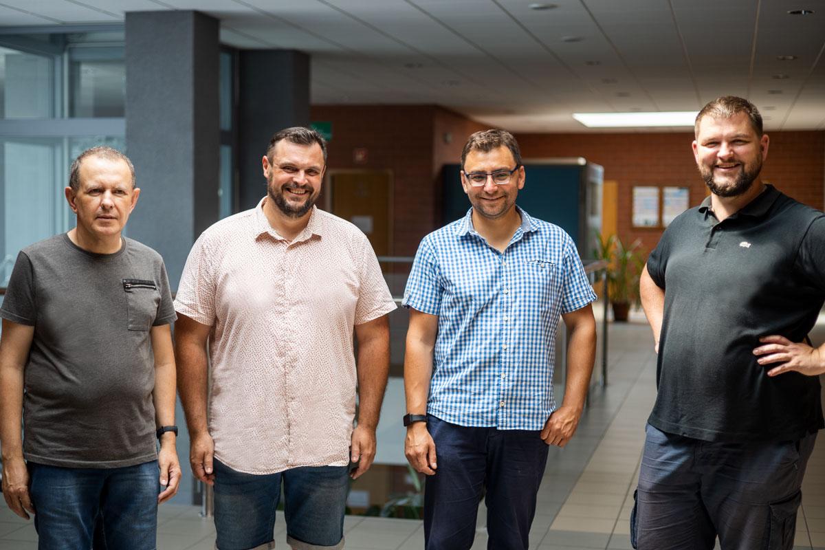Od lewej: Dr inż. Piotr Kardasz, Dr hab. inż. Maciej Zajkowski, prof. PB, dr inż. Łukasz Budzyński, Mgr inż. Damian Tyniecki; fot. Paweł Jankowski